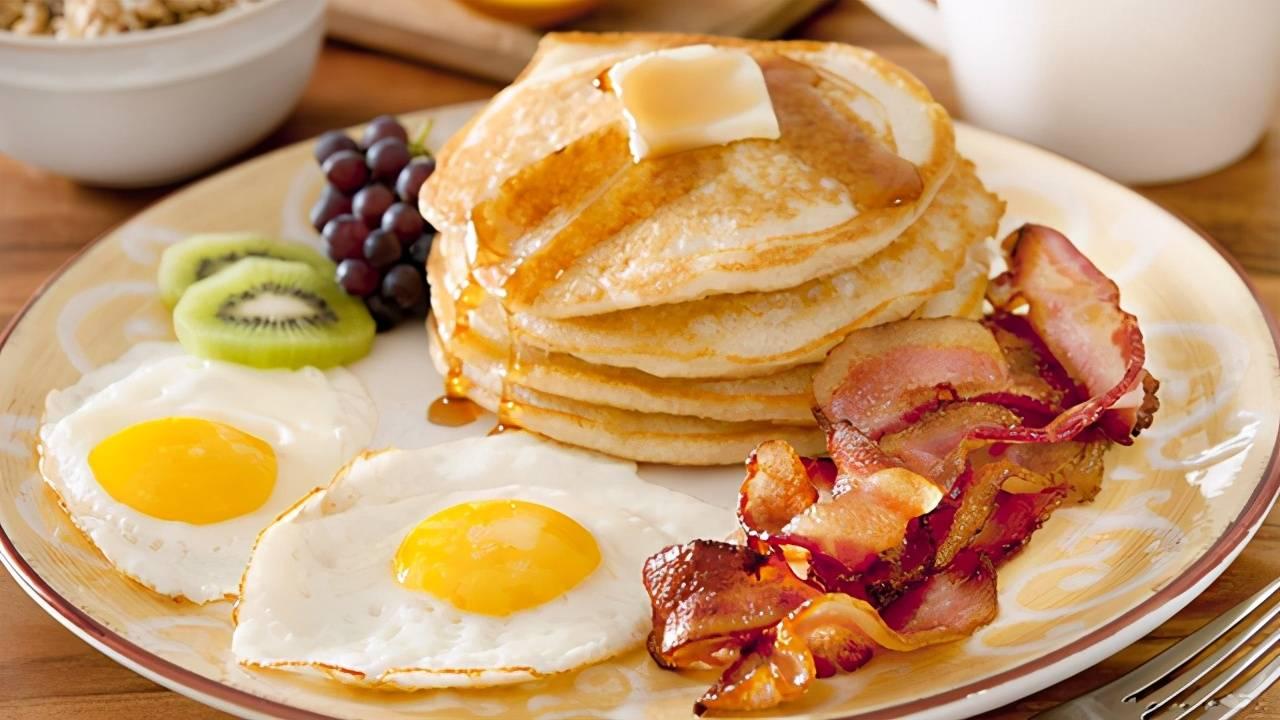"""""""糊弄式""""早餐,正在危害孩子健康,别让自己的""""懒惰""""害了娃"""