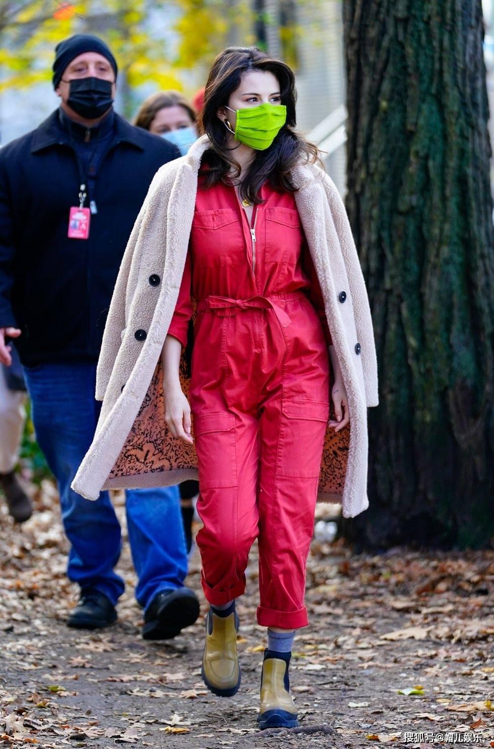 赛琳娜·戈麦斯的时尚演变,从迪士尼明星到流行偶像