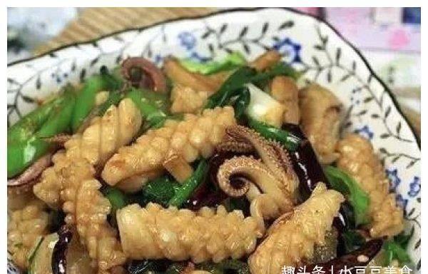 美食推荐:爆炒牛筋,鸭肉炒腐竹,姜葱爆鲜鱿,肉末蒸豆腐的做法