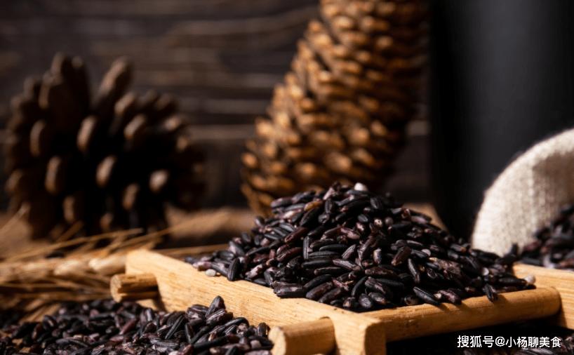 """冬天常吃黑米,4个""""好处""""没得跑,爱吃的人不烦多吃点"""