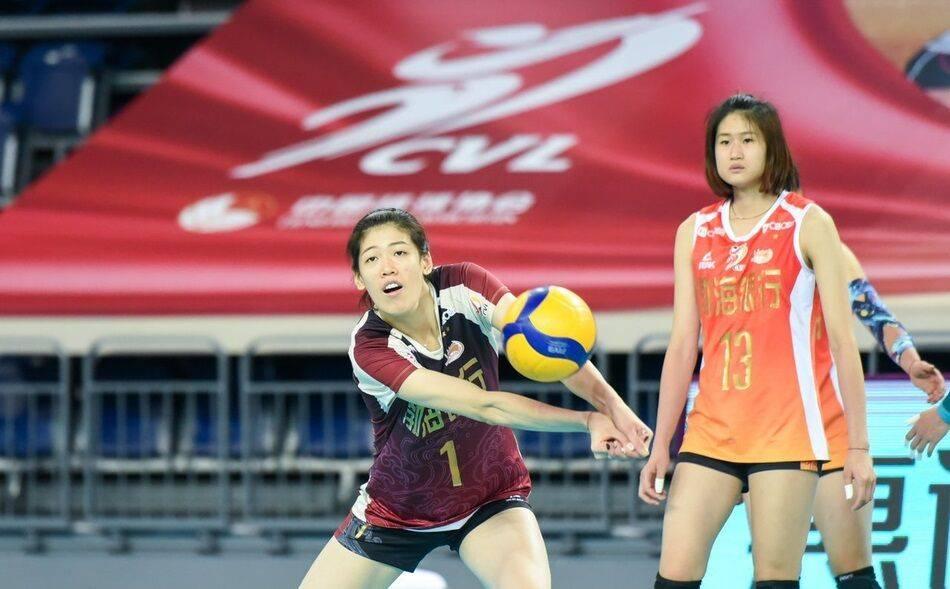 李盈莹两优势获评排球天才 被追发历练一传谢女排国手