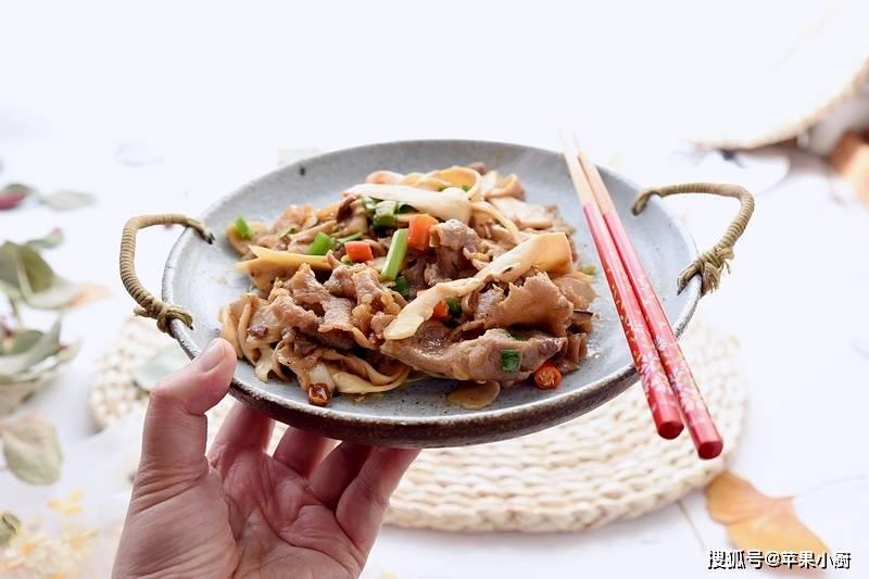 几分钟炒一盘的下饭菜,不用动刀切,不用盐,厨房新手也能做的香
