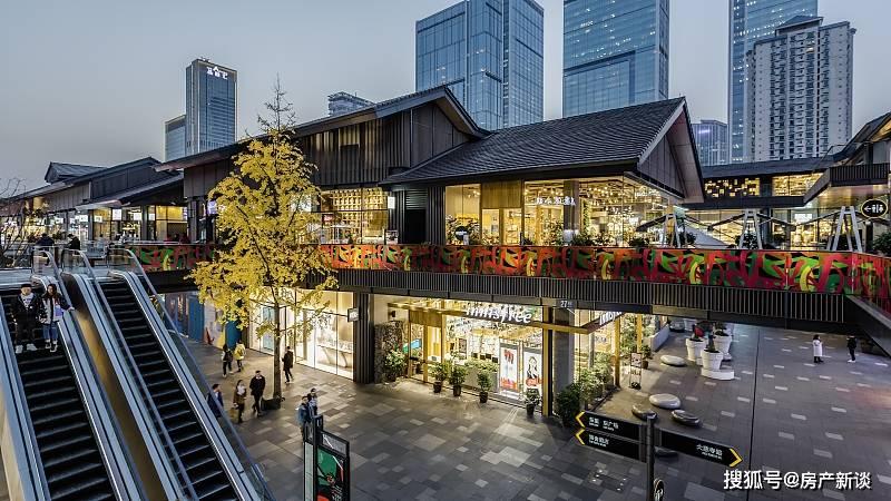 """楼市怪象:大量商铺""""倒了"""",满大街都是药店、中介和餐饮店"""