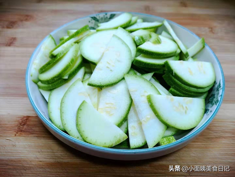 春节期间,多给家人吃这菜,清燥润肺好处多,让家人身体更健康