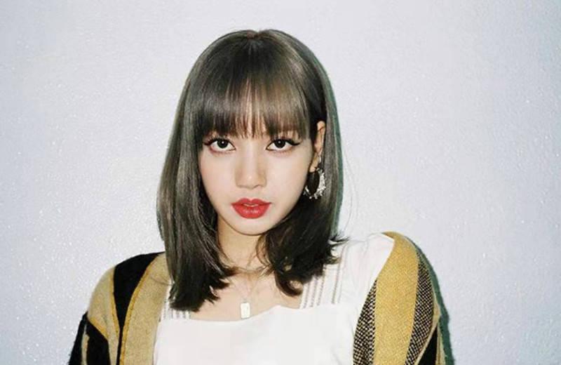 根据官方公布的亚洲最时尚面孔名单,丽莎只排在第二位,第一位居然是网红!
