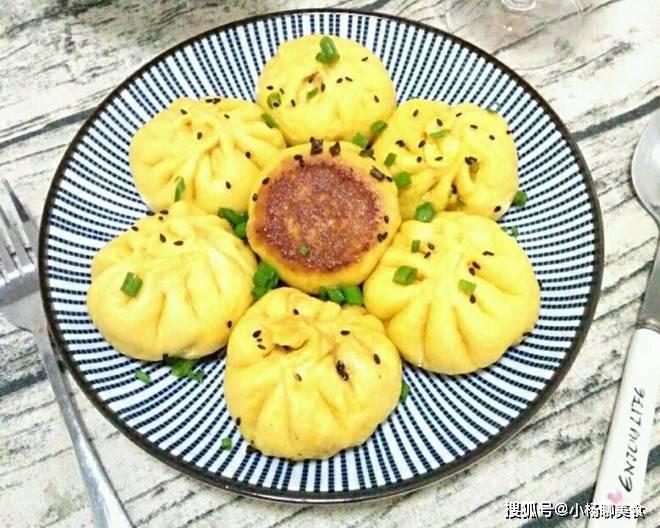 正宗上海生煎包做法,底脆馅香,鲜美多汁,一次吃好几个都不腻!