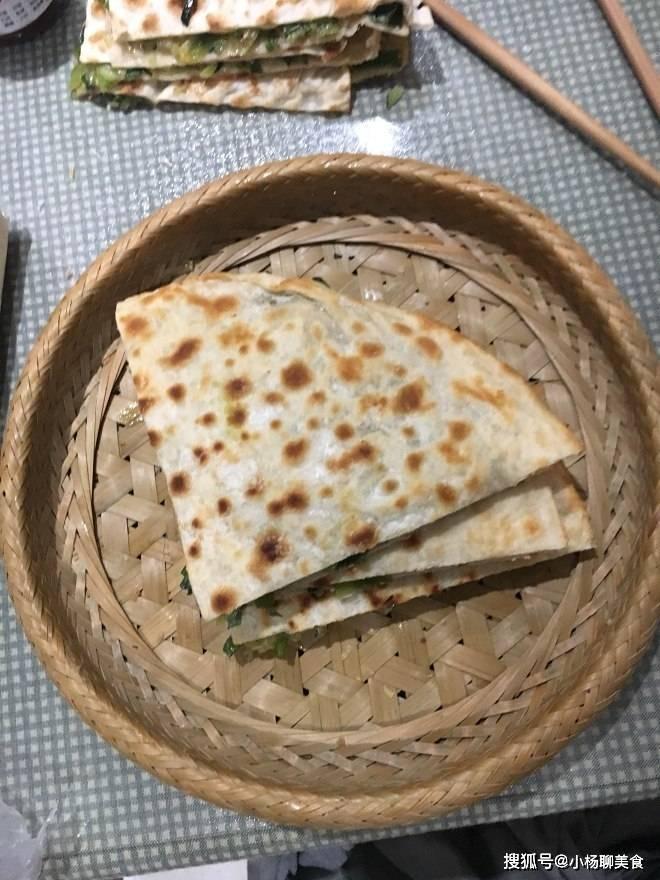 韭菜最好吃的做法,不用炒,不用煮,比吃肉过瘾,上桌被抢光了!