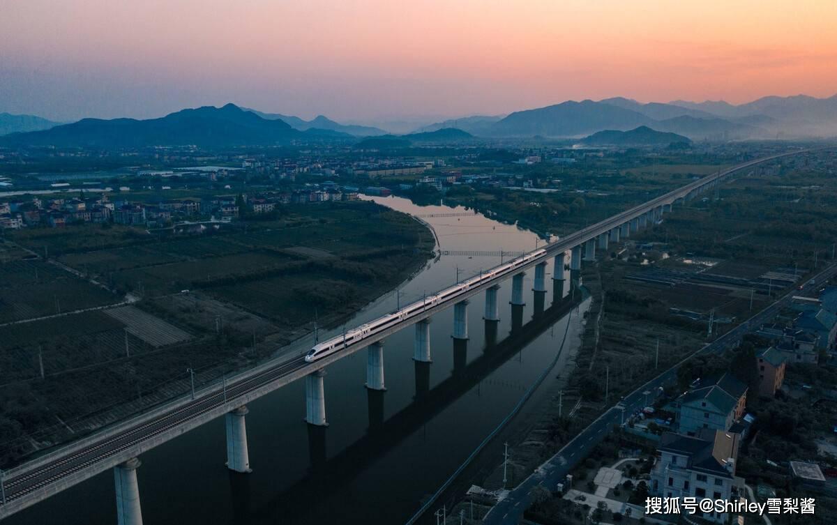 中国绝美的景观高铁,全长仅287公里,却串联起7个5A景区!
