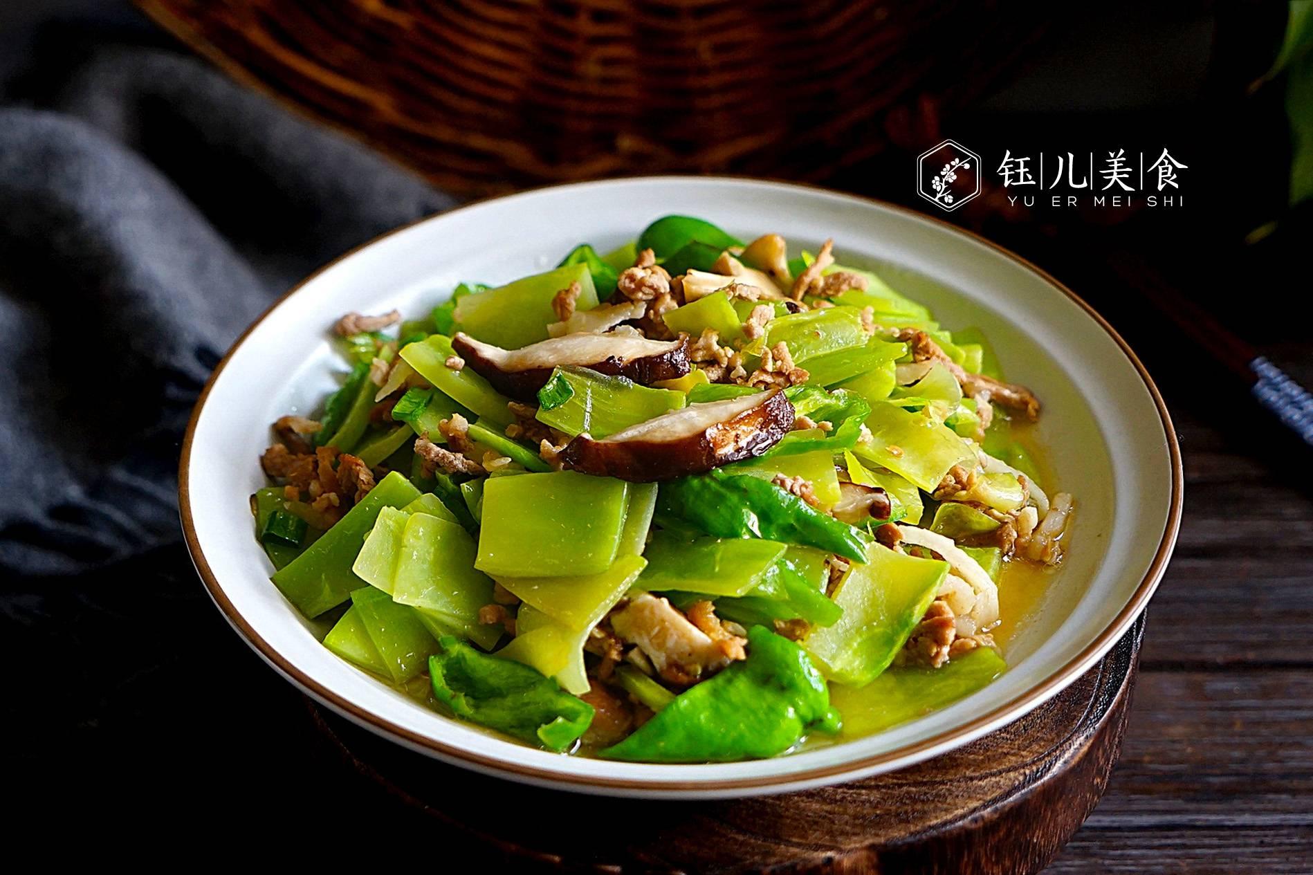 明日雨水,不管有钱没钱,这6种菜吃起来,鲜嫩美味,常吃去春燥