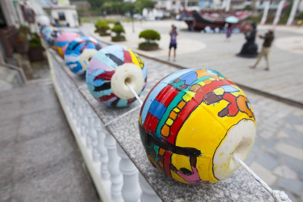 """原创             中国东海边的小渔村,新农村建设又一""""巨作"""",如今游客不断"""