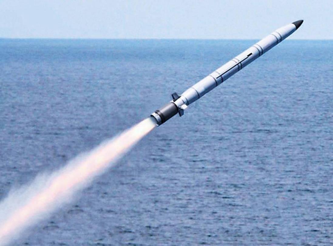 鹰击18导弹必须用数据链中继制导?没那么复杂,渔船望远镜也行
