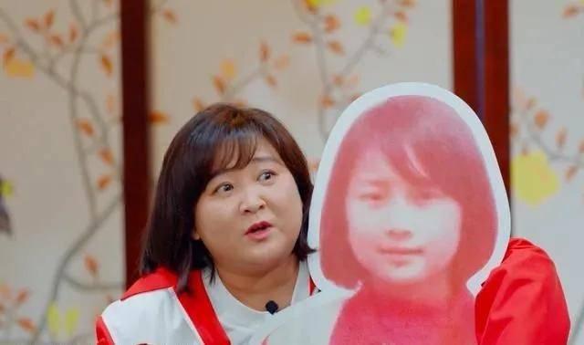 《你好,李焕英》主演童年照:贾玲气质温婉,张小斐认不出  第2张