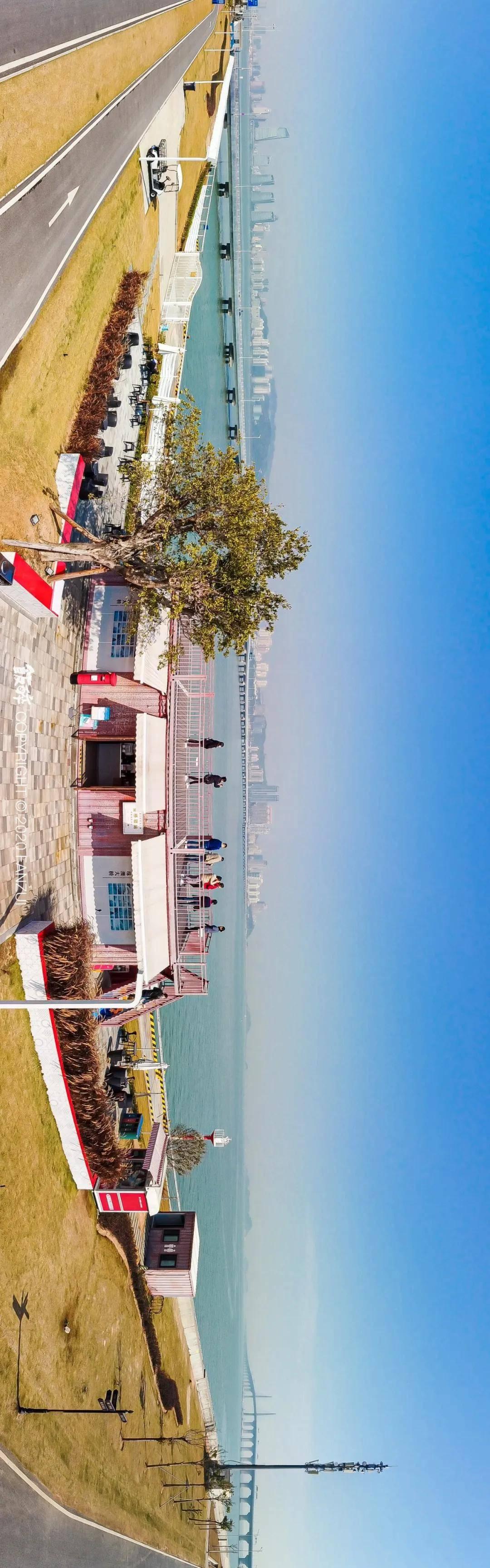 珠海首家绝美海景咖啡店!远眺港珠澳大桥,一人承包一片海!