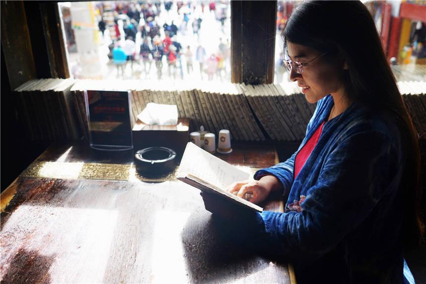 原创             忽然就想去拉萨了,这条1300年的步行街,浓缩了最西藏风情的生活
