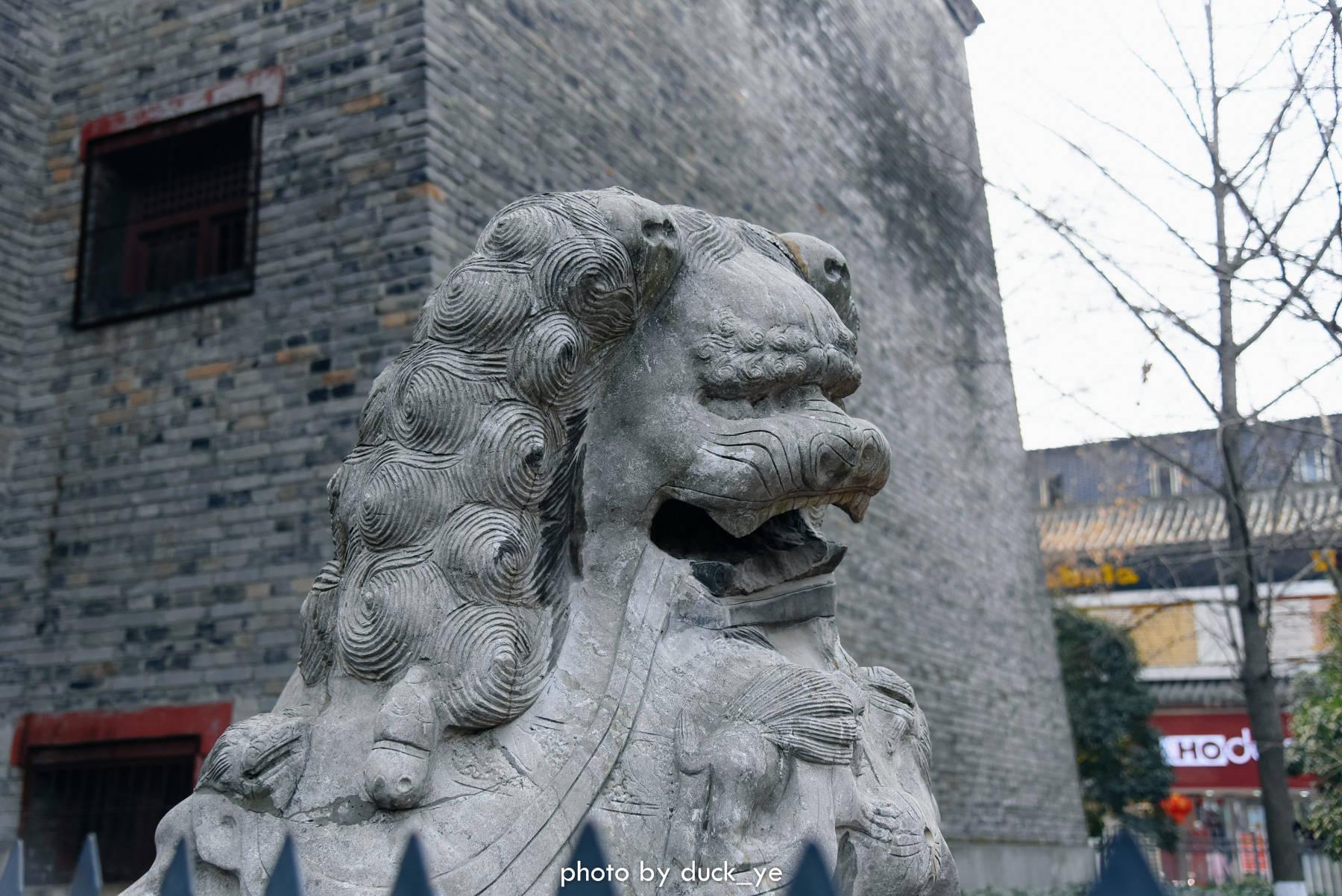 原创             《你好,李焕英》热映,湖北这座千年古城再也藏不住了,金庸挚爱