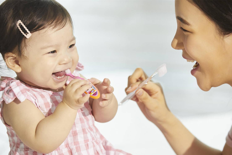 """给宝宝刷牙,大部分父母都掉入了3个""""误区"""",你若中了及时改  第6张"""