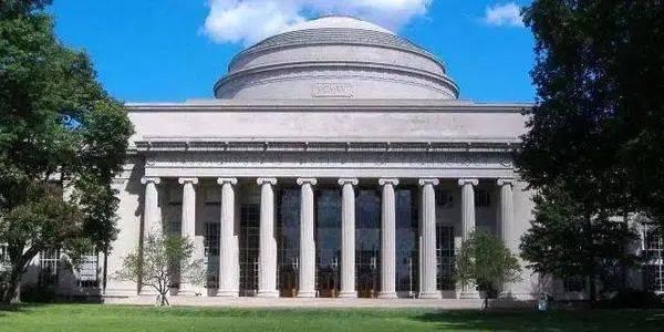 盲目申请不可取!美国名校申请第一步,MIT录取率高的顶尖高中推荐~