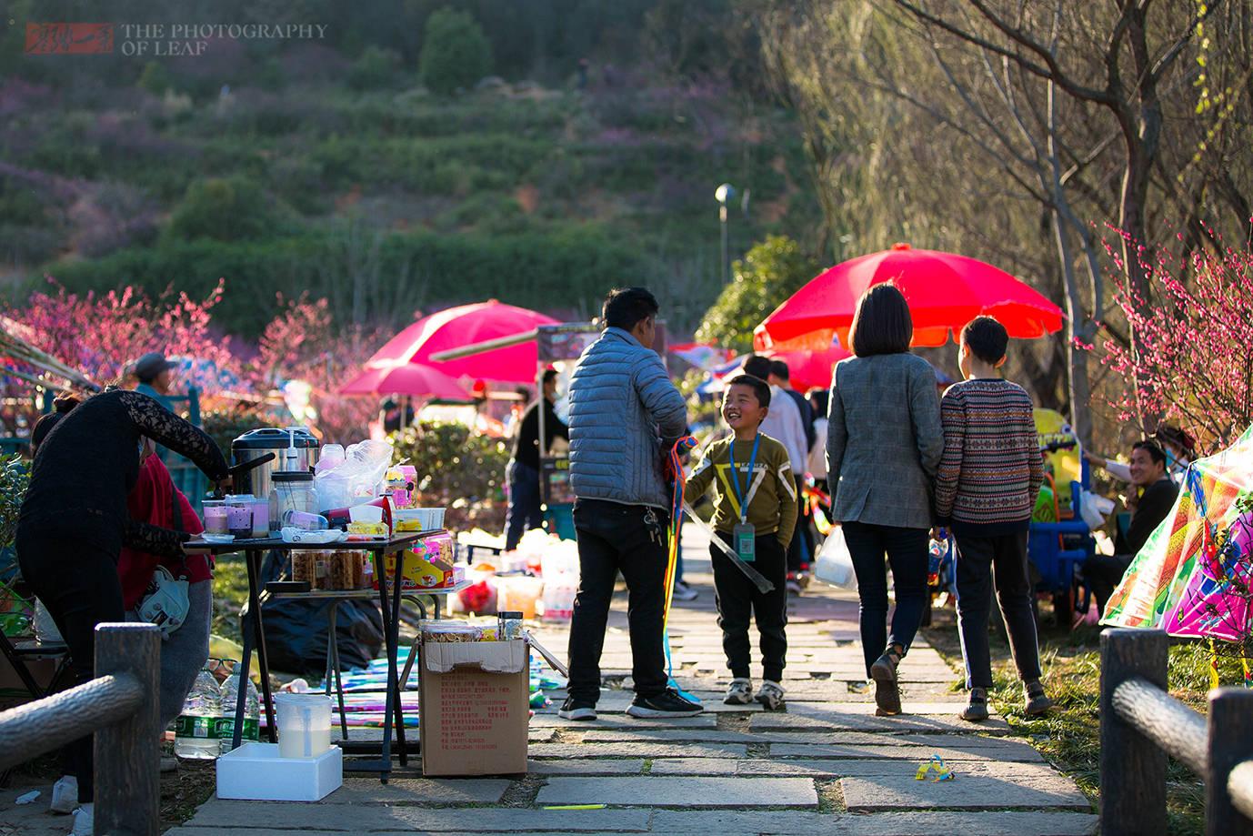 原创             杭州有个公园比西湖还热闹,有吃有玩还能放风筝,一般人我不告诉他