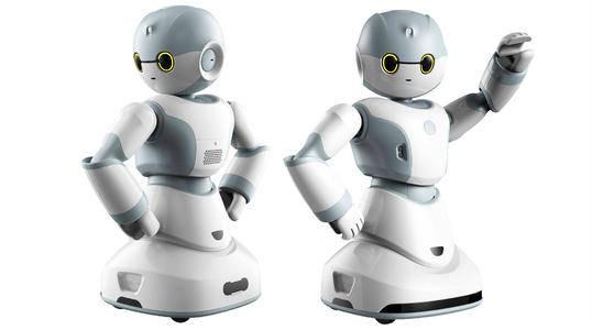 """那个曾扬言要""""毁灭人类""""的机器人索菲亚,多年过去现在咋样了?"""