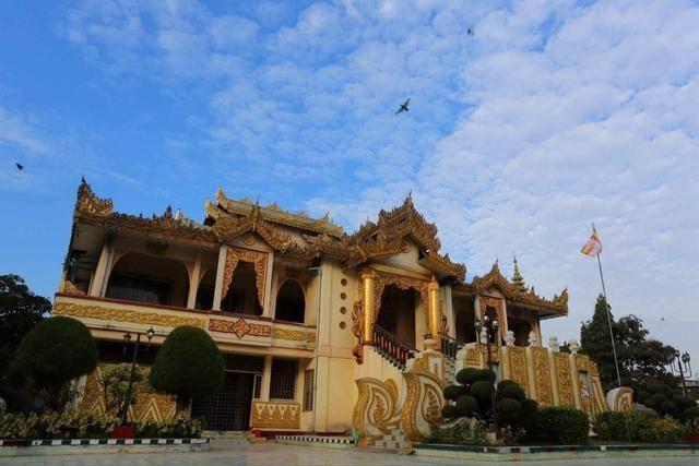 缅甸''最金贵''的佛:无数人为其贴金数十年,如今光金衣就百万层