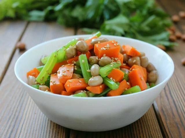 精选菜肴20余道,食材新鲜做法经典,吃一口就爱上的味道,试试吧