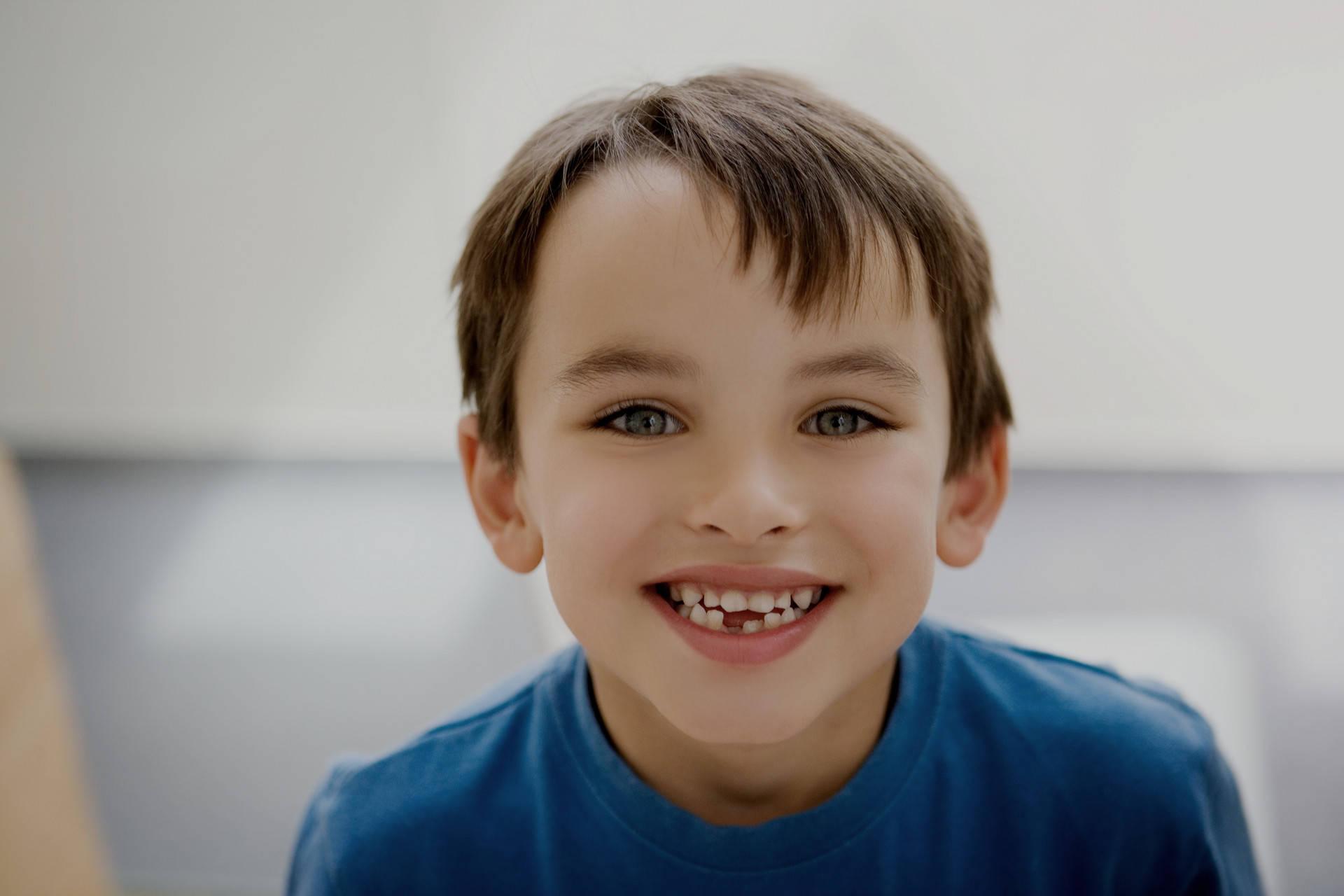乳牙坏了不用补?龋齿影响孩子颜值,让孩子自卑,家长别不在意