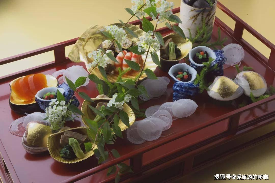 如何优雅地吃一顿日本传统高级料理?