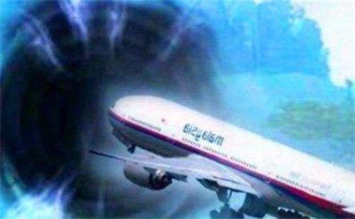 914航班事件:失踪35年的飞机重现机场,乘客容颜未变,真有穿越