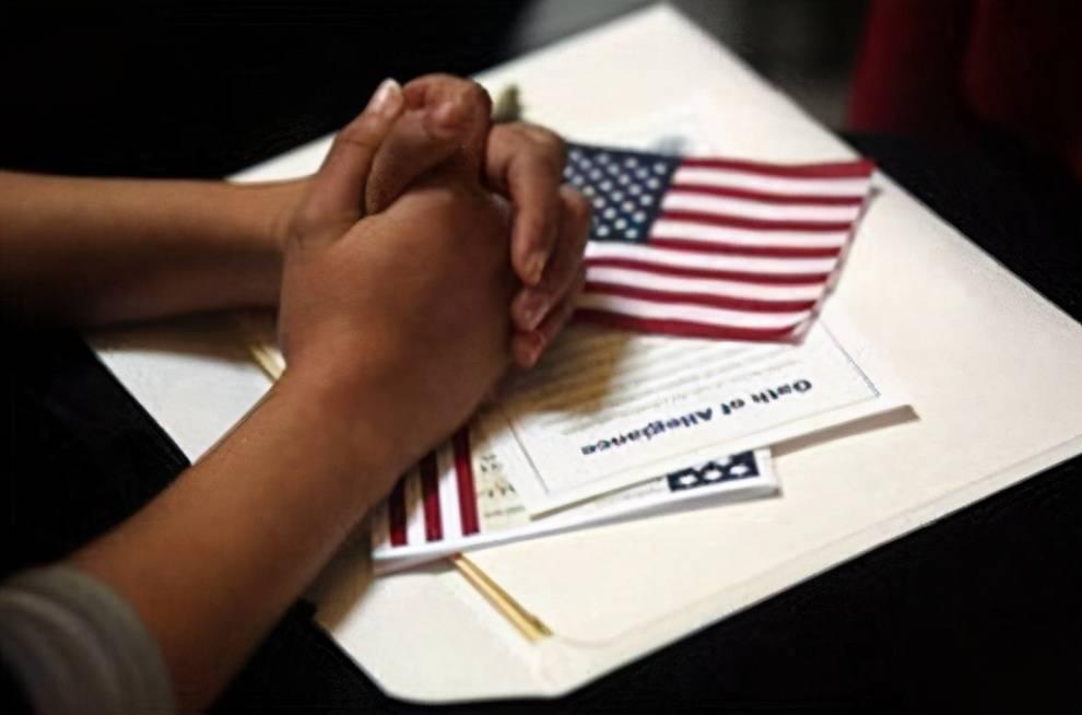 """美国真有这么香?如今""""风景线""""不断,大量华人却仍不愿回国?"""