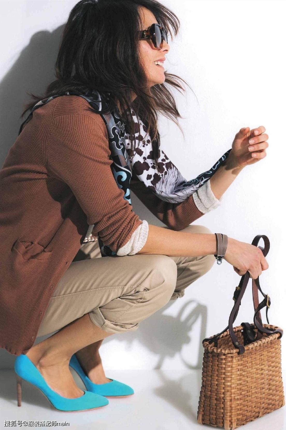 菊池京子真是中年女性时尚标杆,简约基础款穿出高雅气质