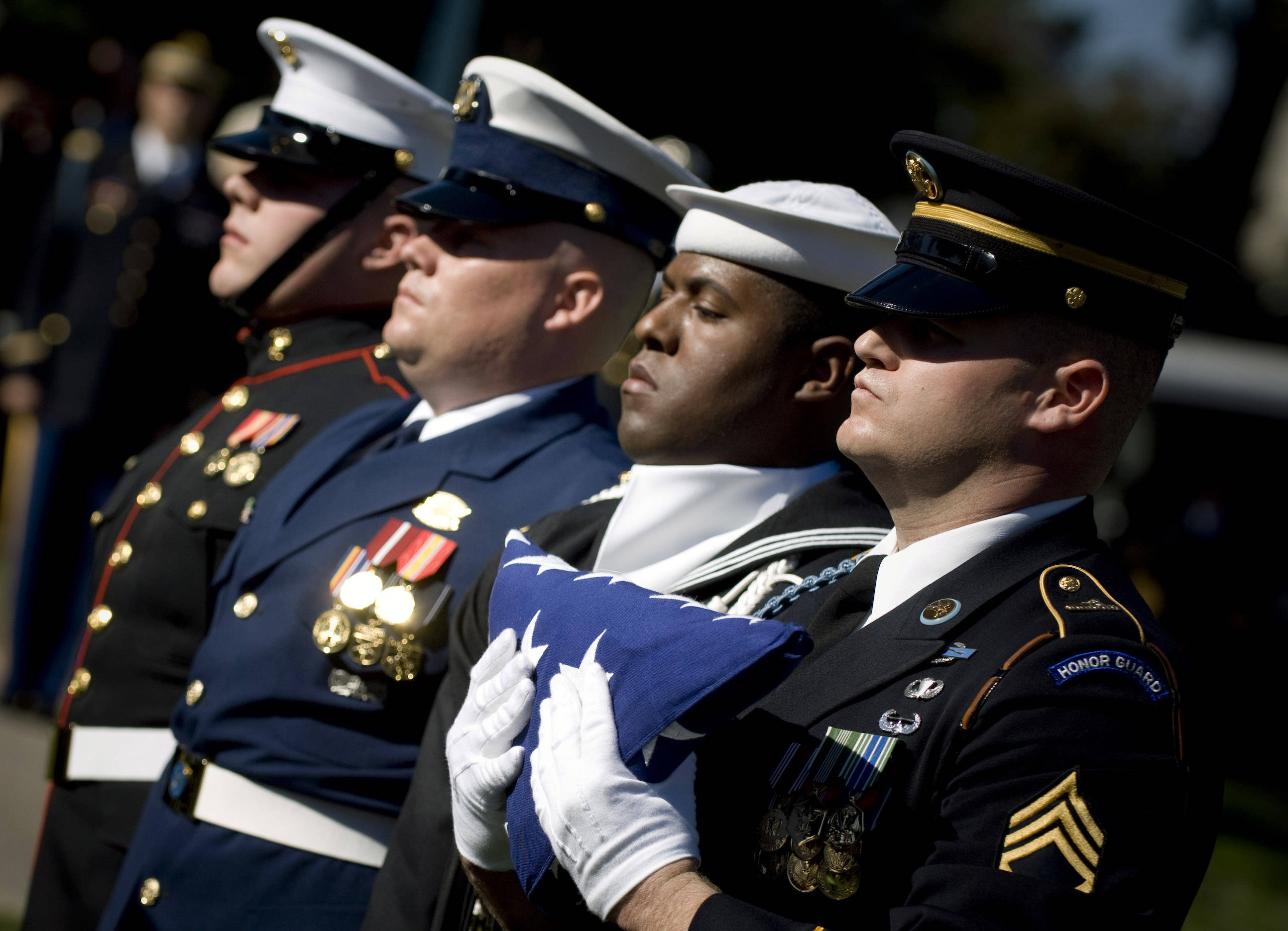美国三军仪仗队,参加军葬礼,展示美军