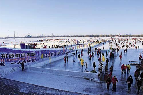 和道外江畔冰雪游乐园告别 轮渡预计于4月起逐步通航