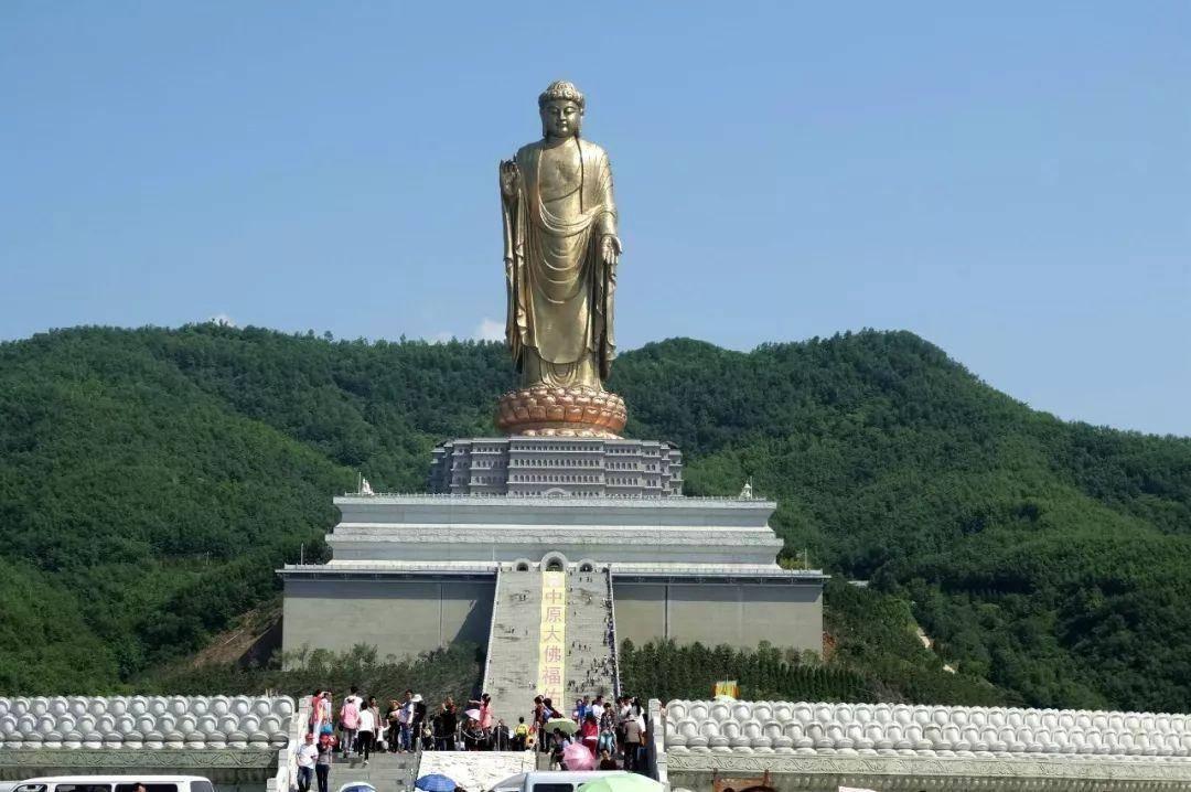 河南一座身高108米的佛像,历时五年建成,创造一个世界纪录