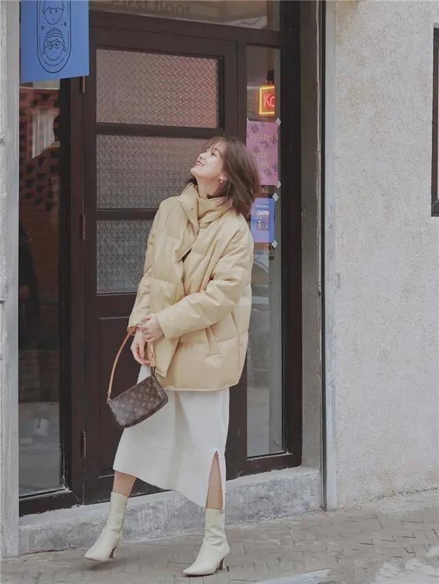 """藏在""""裸靴""""中的秘密,时髦精都知道,不管搭裙子还是裤子都好看"""