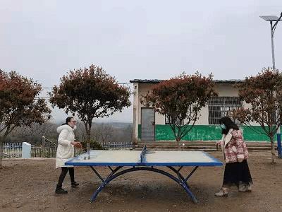 """湖北省宜城市邓冲小学多种形式""""庆三八"""""""