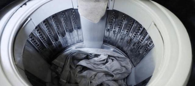 机洗少不了洗衣液,怎么合理使用,才能洗得更干净?