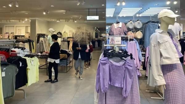 记者实探H&M线下门店:正常营业,店员表示不接受采访