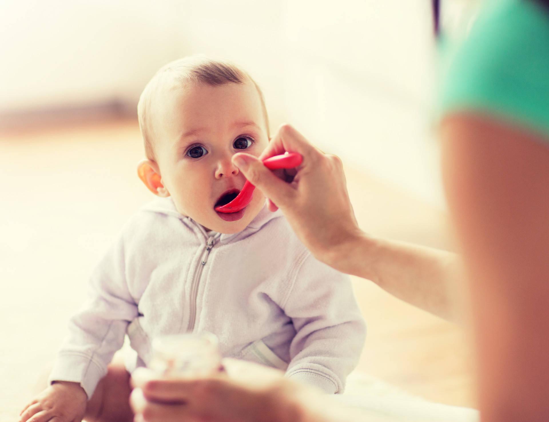 儿科医生:孩子一岁前有十种辅食不要碰,娃吃了容易生病难长高