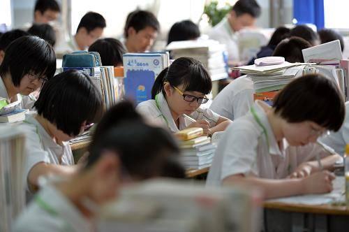 湖南这四所学校刚升一本,学费不高发展迅猛,本地人都十分看好