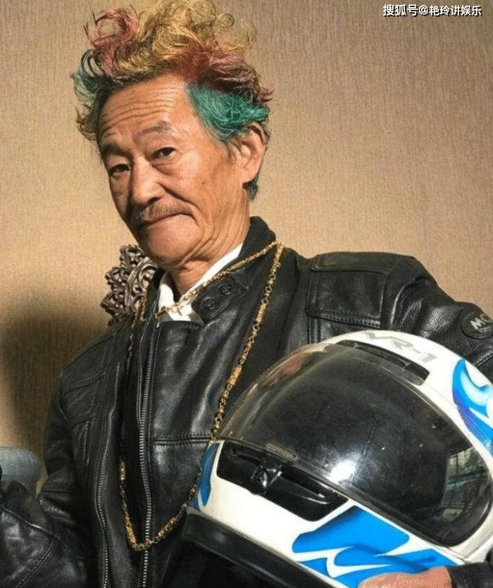 国家一级演员却无戏可拍,如今成为网红,76岁凭一句脏话爆红全国