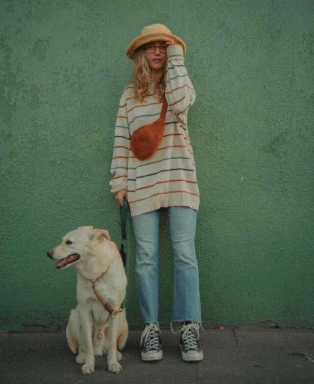 复古明亮的日常色彩穿搭 法国博主满屏俏皮随意感