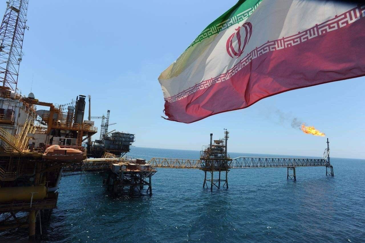 关键时刻伊朗货船被炸,美国撇清被指示弱,伊朗赢得战略主动