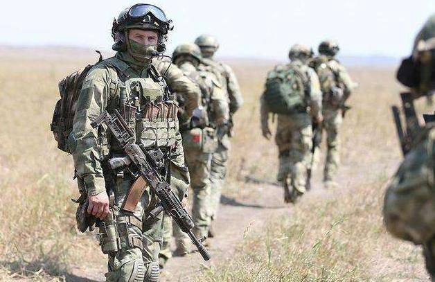 乌克兰东部重兵集结!