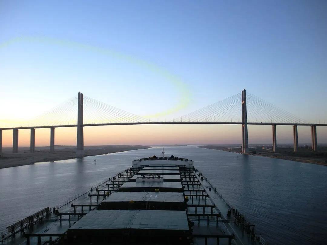 """油价""""九连涨""""之后终于降了,因为苏伊士运河恢复通航了?  第15张"""