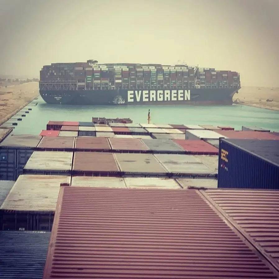 """油价""""九连涨""""之后终于降了,因为苏伊士运河恢复通航了?  第2张"""