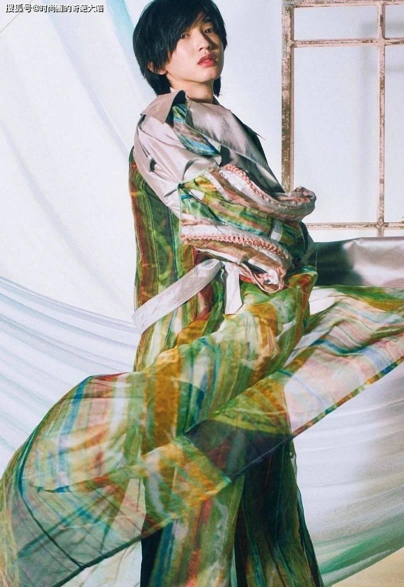 道枝骏佑堪称日本一绝!绝美颜值打破传统日系感,真正从小帅到大