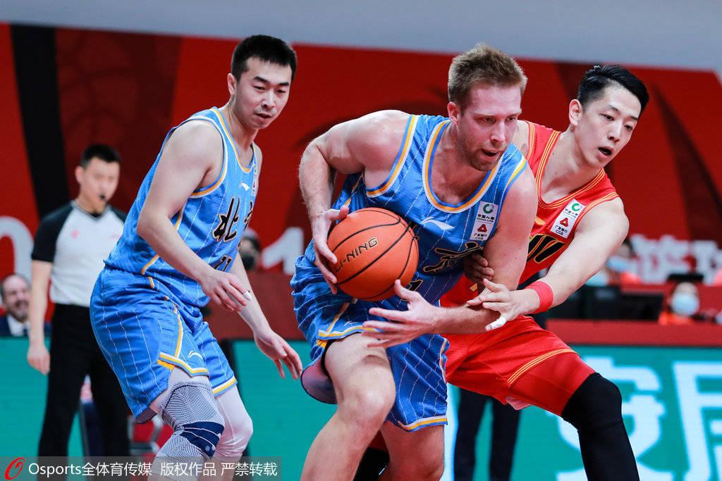 季后赛首轮深圳确定迎战首钢 双方胜者将对阵广东