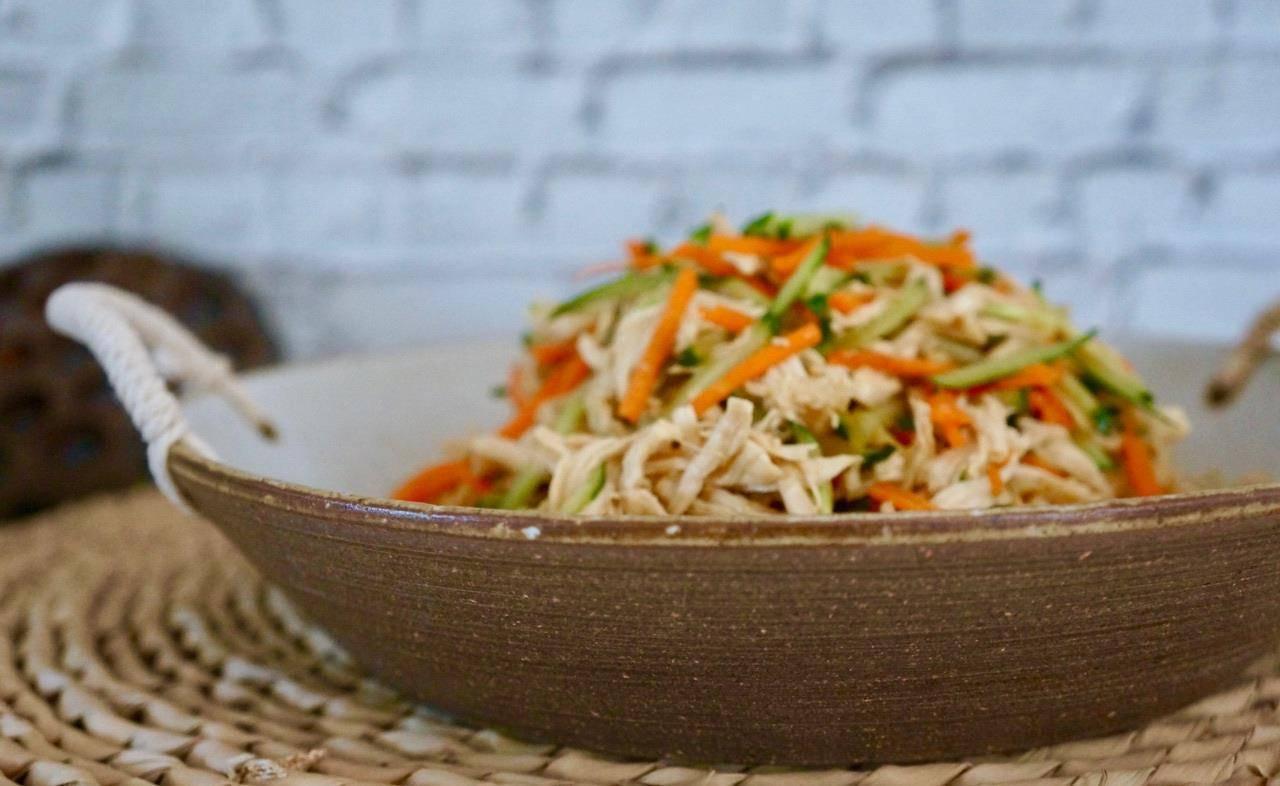 好吃简单的家常美味,葱油焖鸡,鲜嫩不腥,一上桌就吃光  鸡肉简单做法配料少