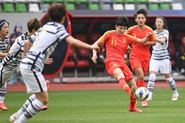 专家:足协应该提高中国女足的待遇,至少让她们比男足高一些