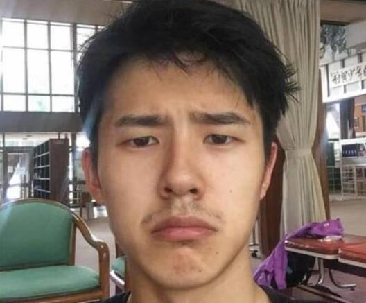 原创             男星卸妆后,王一博没有差别,李现太Man,终于相信肖战快30岁了